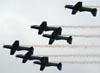 Esquadrilha da Fumaça fazendo uma passagem em voo invertido. (24/10/2010)