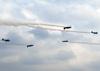 Cruzamento dos Embraer EMB-312 (T-27 Tucano) da Esquadrilha da Fumaça. (23/09/2012)