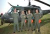 Tripulação do Bell UH-1H Iroquois, FAB 8703, da Base Aérea de Santa Maria/RS. Foto: GAFAB (02/09/2007)