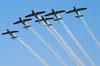 Tucanos da Esquadrilha da Fumaça realizando uma passagem em vôo invertido. Foto: Luiz Renato Blumlein Vieira (02/09/2007)