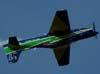 Tucanos número 7 da Esquadrilha da Fumaça, FAB 1326, pilotado pelo Capitão Aviador Gustavo Luís, se preparando para fazer um looping invertido. (02/09/2007)