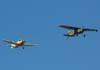 A partir da direita, o Cessna 185F Skywagon, PR-IAB, do comandante Fernando Botelho, e a esquerda o Beagle B-121 Pup 150 series 2, PT-JZV, do Brigadeiro Fernando Cesar.