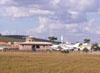 Decolagem de um Beechcraft 55 Baron, PT-JFJ.