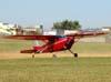 Cessna 180 Skywagon, PT-KZI, pilotado pelo Leandro, um dos comandantes da Esquadrilha Oi.