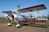 """Pedrinho Mello taxiando o Grumman G-164B """"Showcat"""", PP-XDI, para iniciar mais uma apresentação com a wingwalker Marta Bognar. Foto: Júnior JUMBO."""