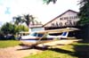 Cessna 172L Skyhawk, PT-KRL, do Aeroclube de São Carlos. (2000). Foto: Diego Fernandes.