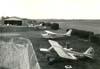Aeronaves do Aeroclube de São Carlos. À direita, de baixo para cima, o Neiva P-56C Paulistinha, PP-GXA; Cessna 172G Skyhawk, PT-CQL; e o Neiva P-56C Paulistinha, PP-GRT. (1970). Foto: Valdir Fernandes.