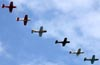 Aeronaves sobrevoando o Linder Regional. (16/04/2010) Foto: Celia Passerani.