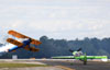 Boeing PT-17 Kaydet (A75N1), N49739, de John Mohr, e MX2, N716GW, de Gary Ward. (09/04/2013) Foto: Celia Passerani.