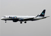 Embraer 195AR, PR-AUC, da Azul. (23/04/2014)