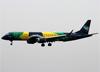 Embraer 195AR, PR-AYV, da Azul. (23/04/2014)