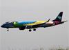 Embraer 195AR, PR-AXH, da Azul. (23/04/2014)