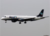 Embraer 195AR, PR-AXU, da Azul. (23/04/2014)