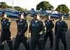 Pilotos da Esquadrilha da Fumaça caminhando em direção ao líder, o Tenente Coronel Aviador Neves Neto. (01/07/2007) Foto: Titolívio de Oliveira Neto